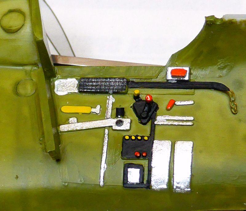ACADEMY  CURTISS P-36A HAWK 1/48  montage pas à pas  08-1_c10