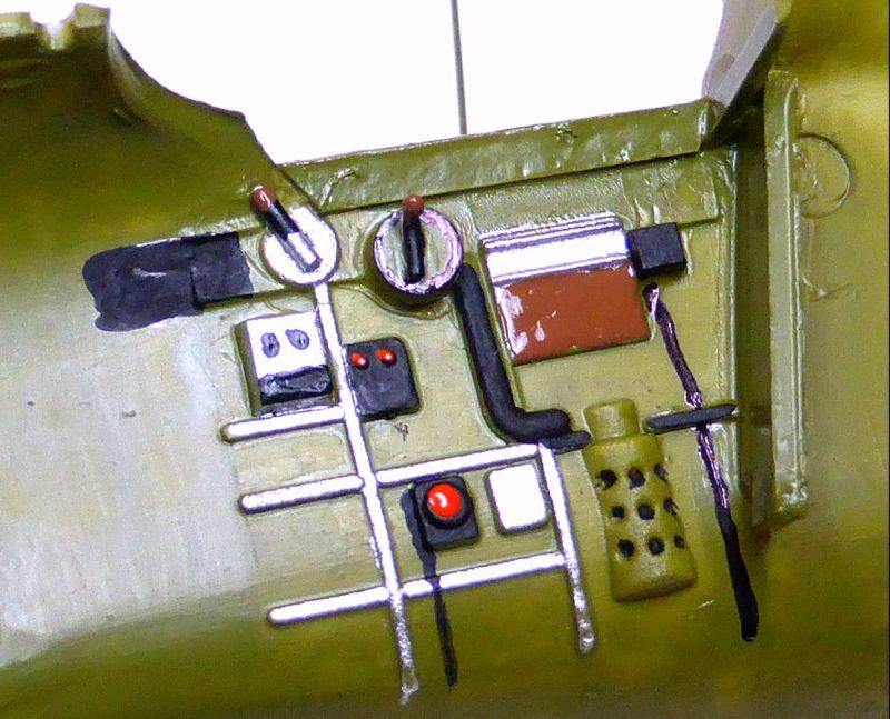 ACADEMY  CURTISS P-36A HAWK 1/48  montage pas à pas  08-2_c10