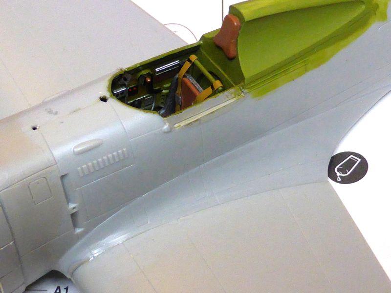 ACADEMY  CURTISS P-36A HAWK 1/48  montage pas à pas  11-2_m10