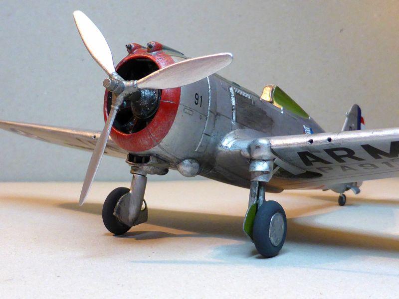 ACADEMY  CURTISS P-36A HAWK 1/48  montage pas à pas  - Page 2 16-2_d10