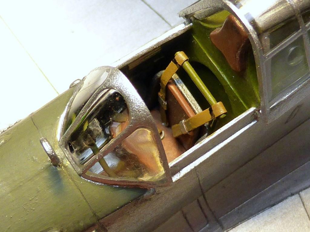ACADEMY  CURTISS P-36A HAWK 1/48  montage pas à pas  - Page 2 2014-175