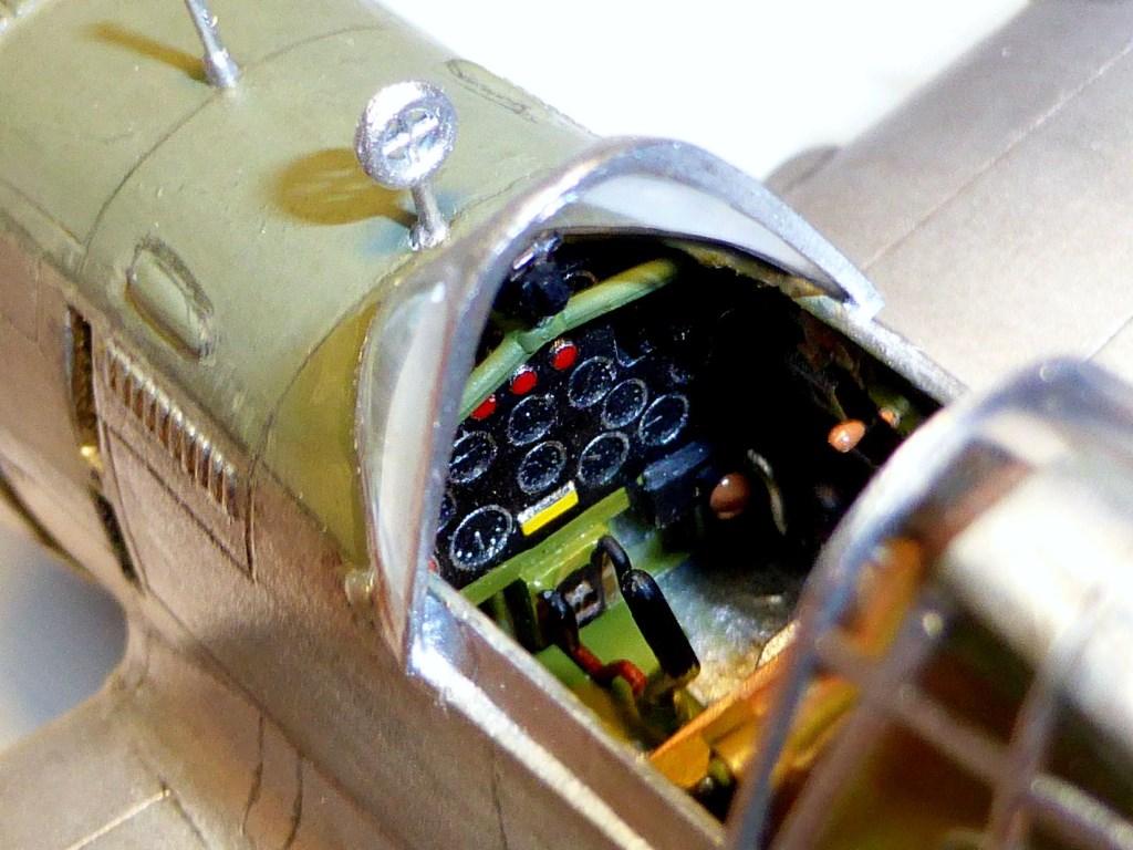 ACADEMY  CURTISS P-36A HAWK 1/48  montage pas à pas  - Page 2 2014-178