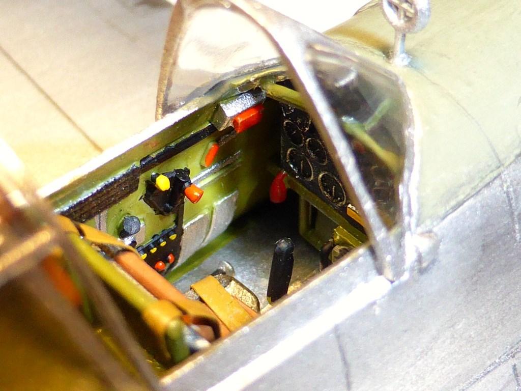 ACADEMY  CURTISS P-36A HAWK 1/48  montage pas à pas  - Page 2 2014-179