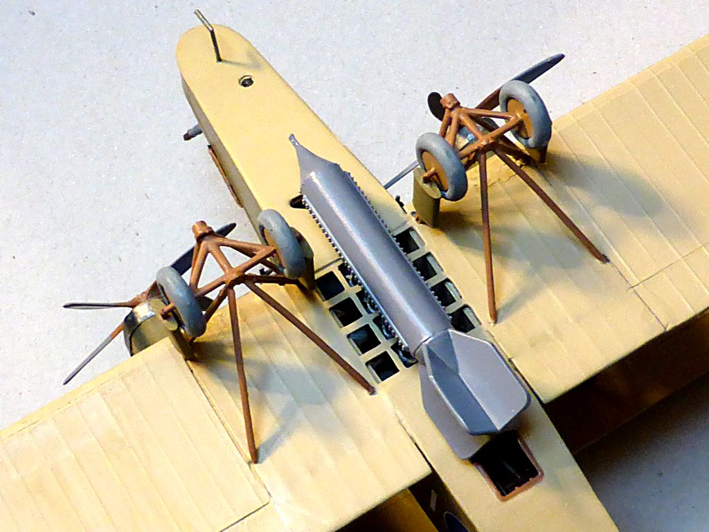 Airfix....Handley Page 0/400 - Page 3 Hp400-20