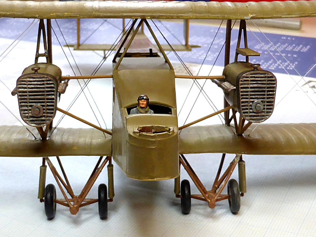 Airfix....Handley Page 0/400 - Page 2 J21-2_10