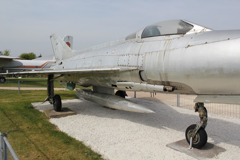 mig 21 f13  1/48 trumpeter 298_co10