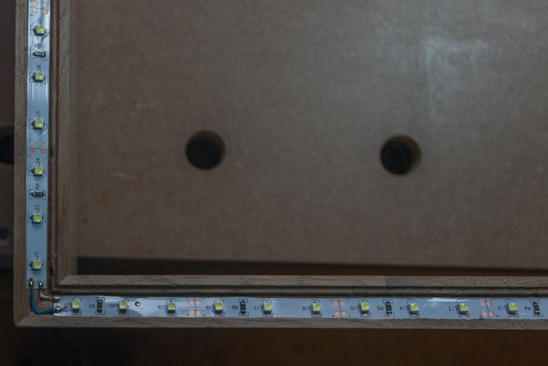 Cadre à led pour miroir de sbd Img_4316
