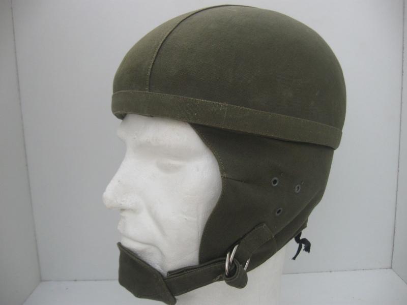 *Casque Gueneau Type 202 pour l'entraînement au saut des parachutistes 13711