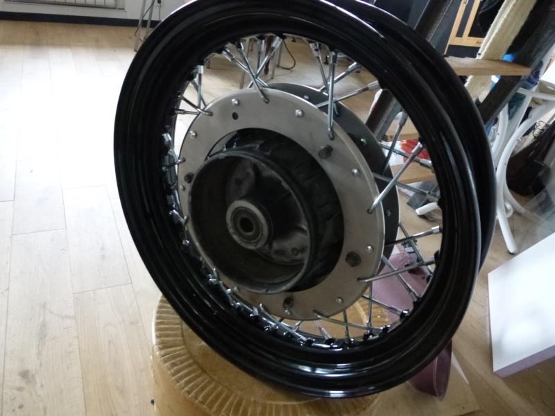 Question pour ceux qui connaissent un peu les roues rayons - Page 3 P1000610