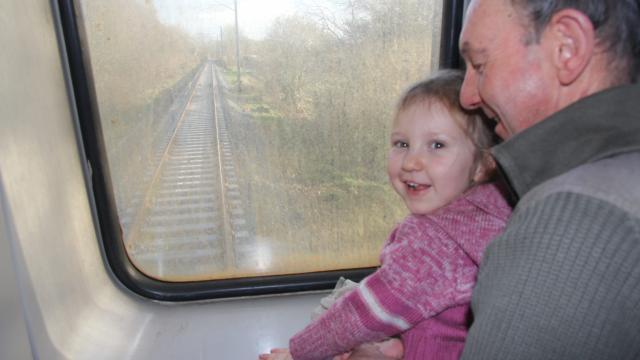 Lannion-Plouaret. Le train de retour, sur des rails neufs  Le-tra12