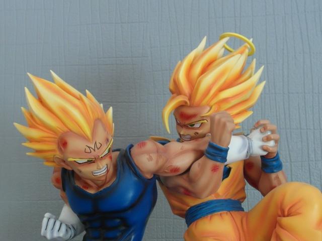VKH : SSJ2 Goku VS Majin Vegeta Sam_0210