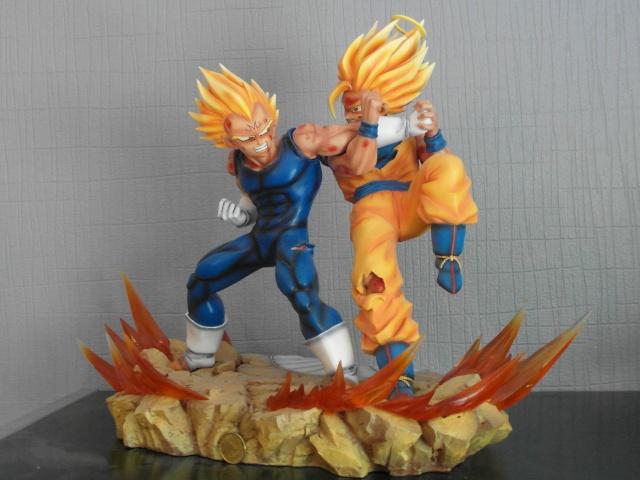 VKH : SSJ2 Goku VS Majin Vegeta Sam_0311