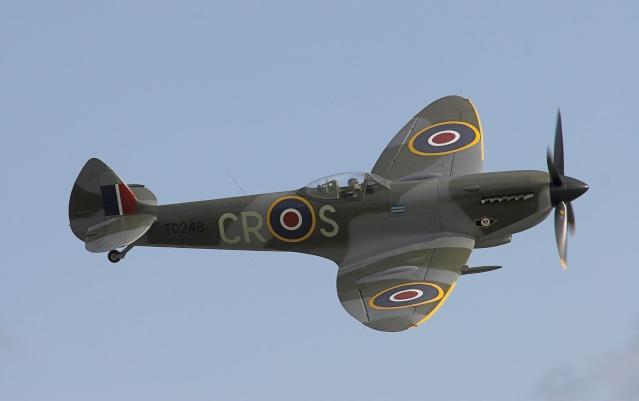 [Encyclo] Spitfire : armement & versions Spitfi24