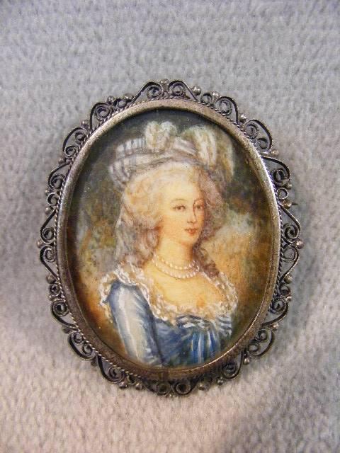 A vendre: miniatures de Marie Antoinette et de ses proches - Page 4 81340110