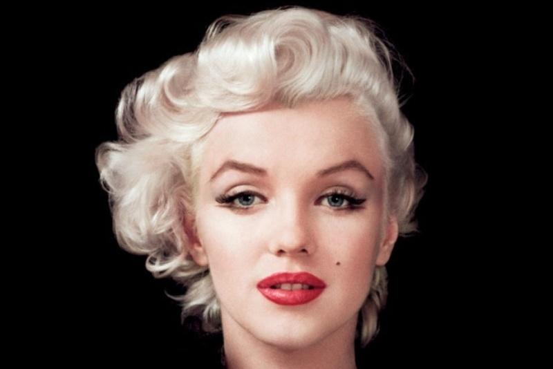 Marilyn Monroe: Korea USO Tour Février 1954.  FINIE Marily11