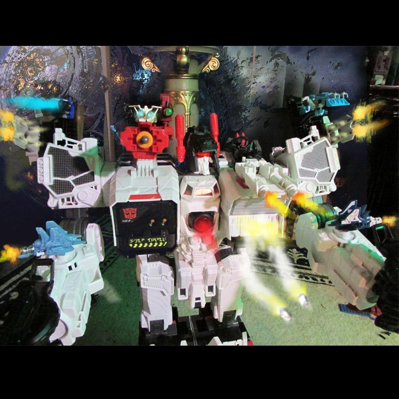 Guerres Transformers! Montrez-moi vos batailles et guerres épiques en photo ici. - Page 6 Metrpr10
