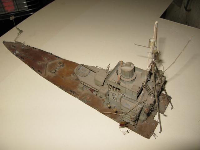 Un défi a relever le Torpilleur Simoun,échelle 1/100, à restaurer Img_0327