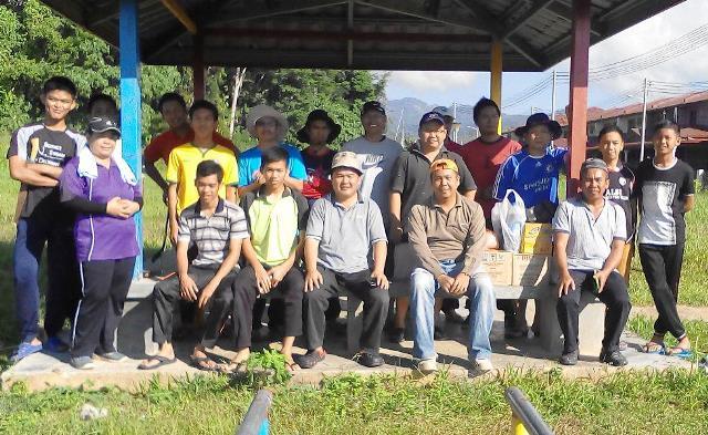 Gotong-royong membersihkan kawasan KRT Tmn Tropicana -28feb2015 Photo_33