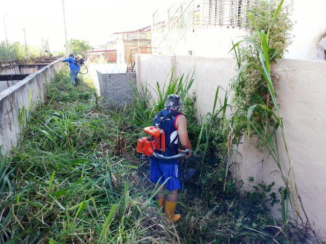 Gotong-royong membersihkan kawasan KRT Tmn Tropicana -28feb2015 Photo_34