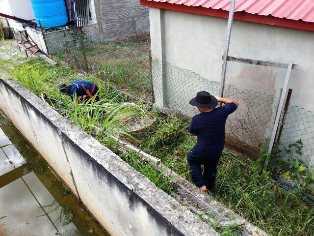Gotong-royong membersihkan kawasan KRT Tmn Tropicana -28feb2015 Photo_41