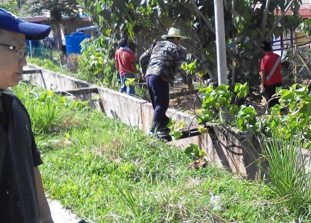 Gotong-royong membersihkan kawasan KRT Tmn Tropicana -28feb2015 Photo_52