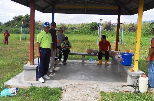 Gotong-royong membersihkan kawasan KRT Tmn Tropicana -28feb2015 - Page 2 Photo_62
