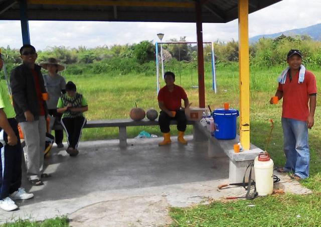 Gotong-royong membersihkan kawasan KRT Tmn Tropicana -28feb2015 - Page 2 Photo_63