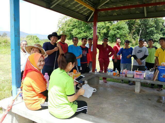 Gotong-royong membersihkan kawasan KRT Tmn Tropicana -28feb2015 - Page 2 Photo_66