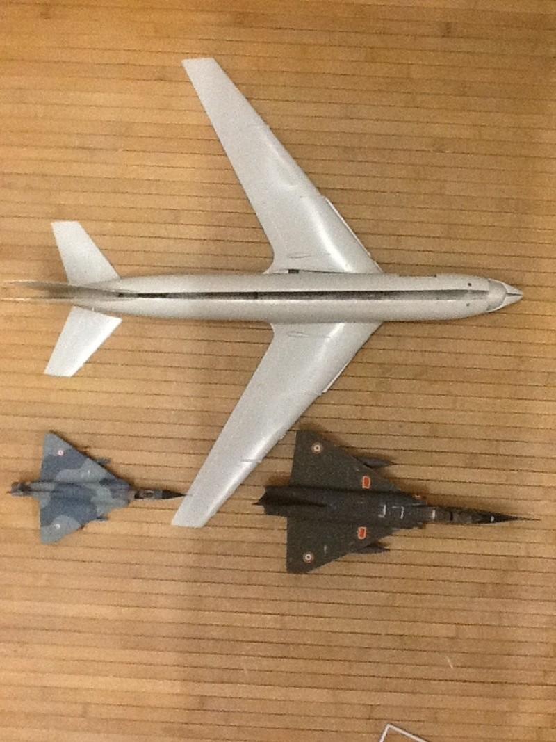 Comparatif et différence entre les BOEING KC 135 et AWACS 1/72 Compar29