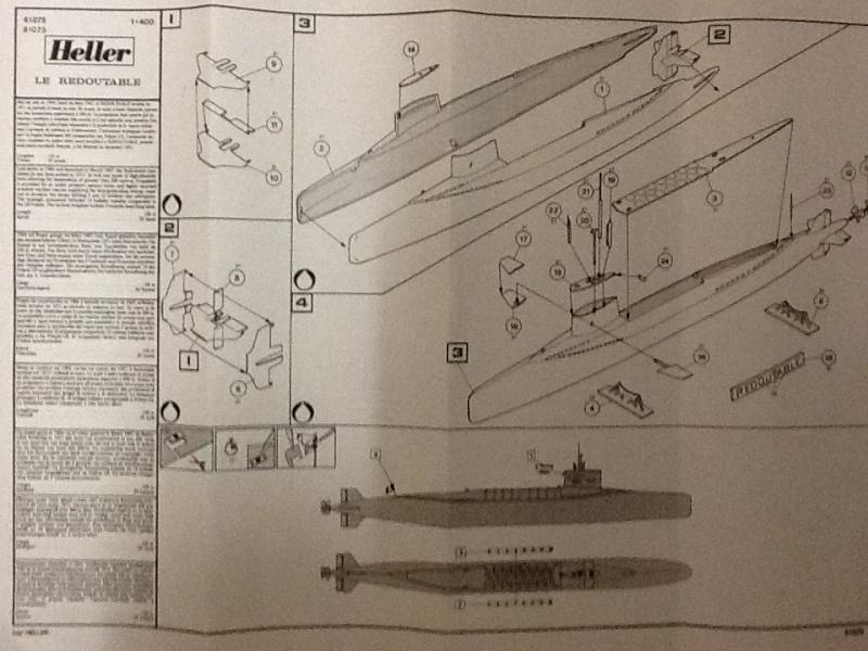Sous-marin nucléaire  lanceurs d engins SNLE Le REDOUTABLE 1/400ème ref Helle800