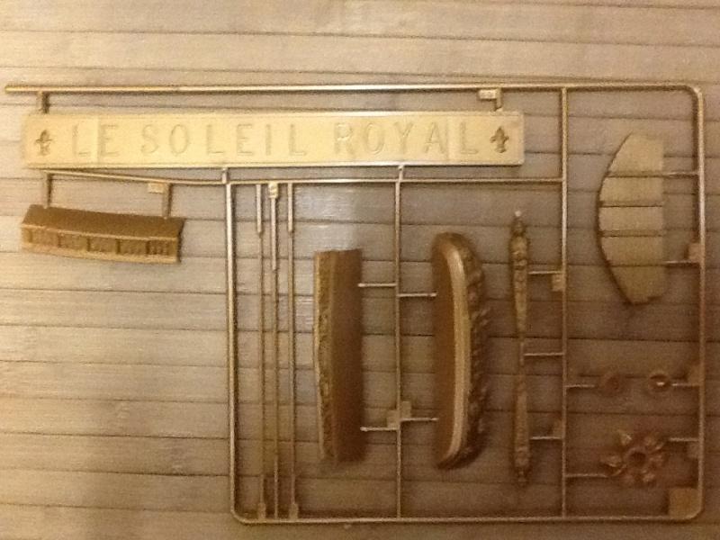 Vaisseau Le SOLEIL ROYAL 1/100ème Ref 099 Helle901