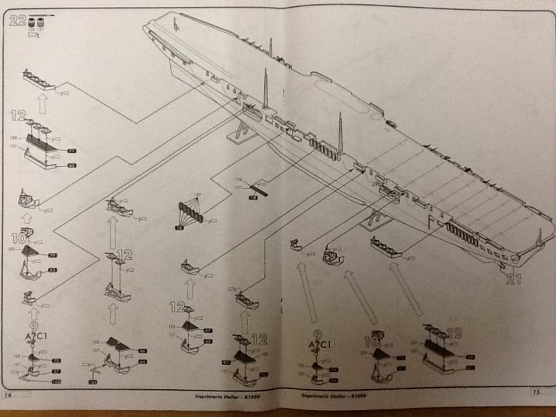Porte avions ARROMANCHES 1/400ème Ref 81090 Heller55