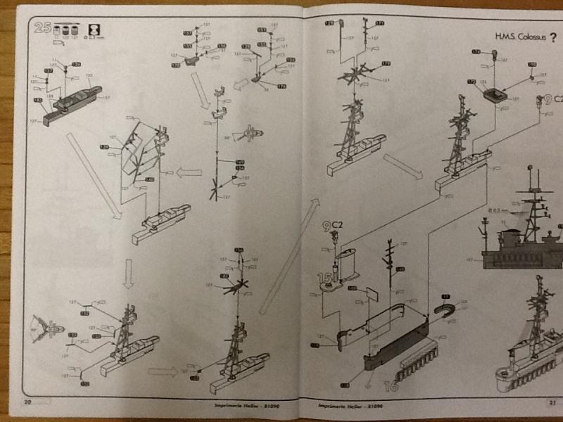 Porte avions ARROMANCHES 1/400ème Ref 81090 Heller58