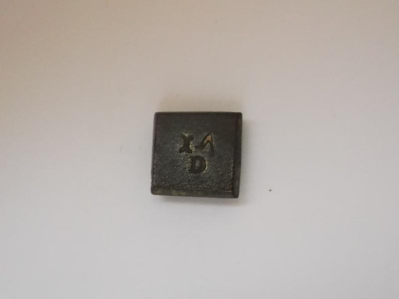 Identification : poids monétaire à fleur?? Rose-r10