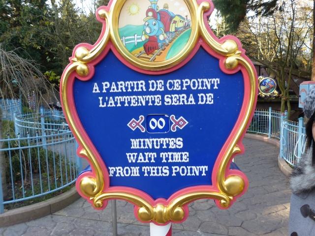 Un premier séjour magique pour le noël 2014 à Disney - Page 6 Casey_18