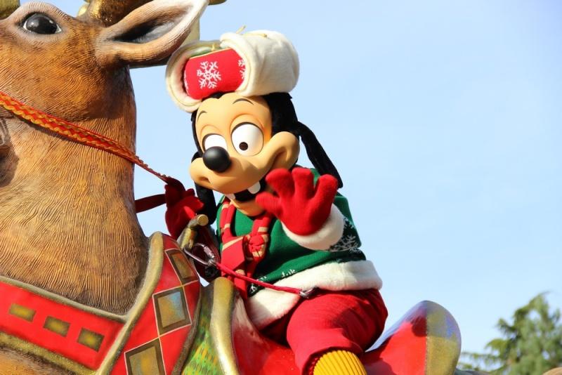 Un premier séjour magique pour le noël 2014 à Disney - Page 4 La_cav10
