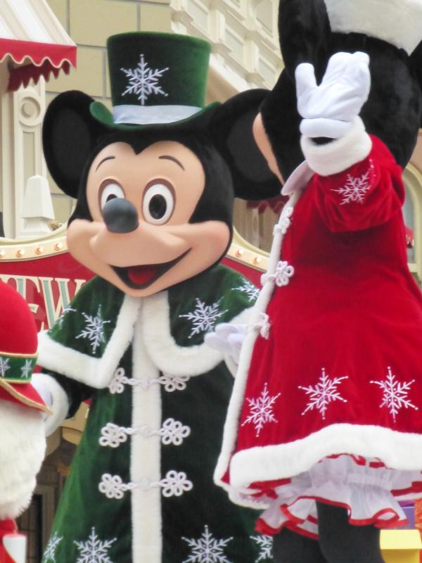 Un premier séjour magique pour le noël 2014 à Disney - Page 7 La_cav26
