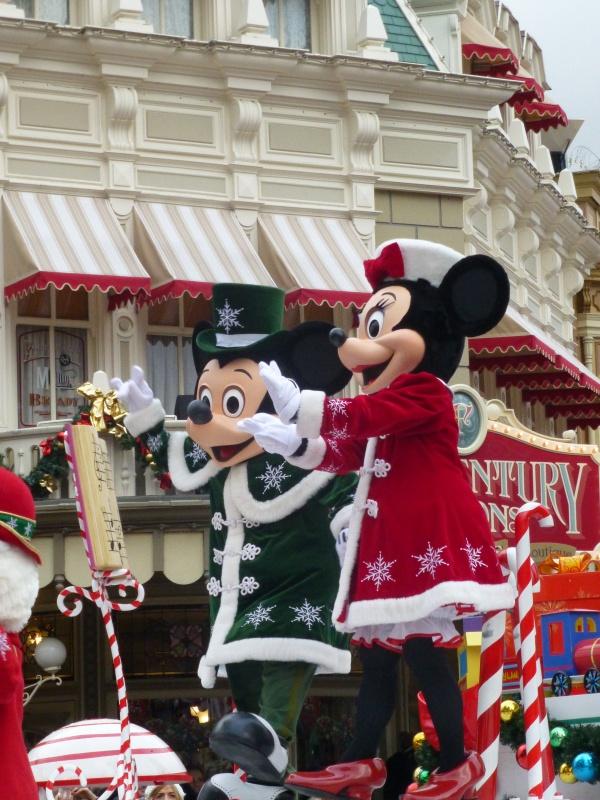 Un premier séjour magique pour le noël 2014 à Disney - Page 7 La_cav27