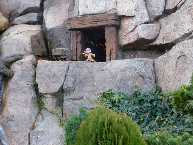 Un premier séjour magique pour le noël 2014 à Disney - Page 6 Le_pay25