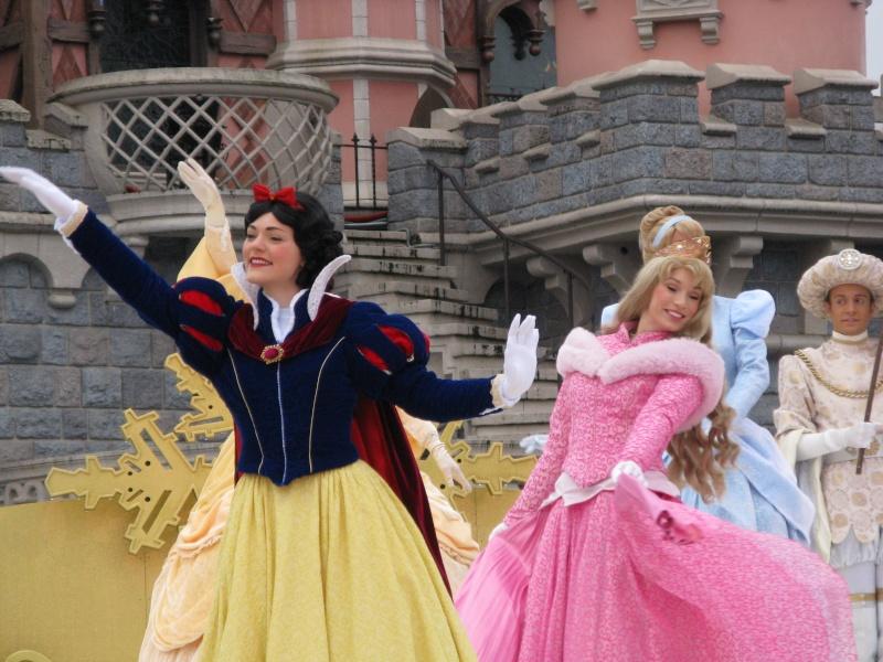 Un premier séjour magique pour le noël 2014 à Disney - Page 6 Le_spe10