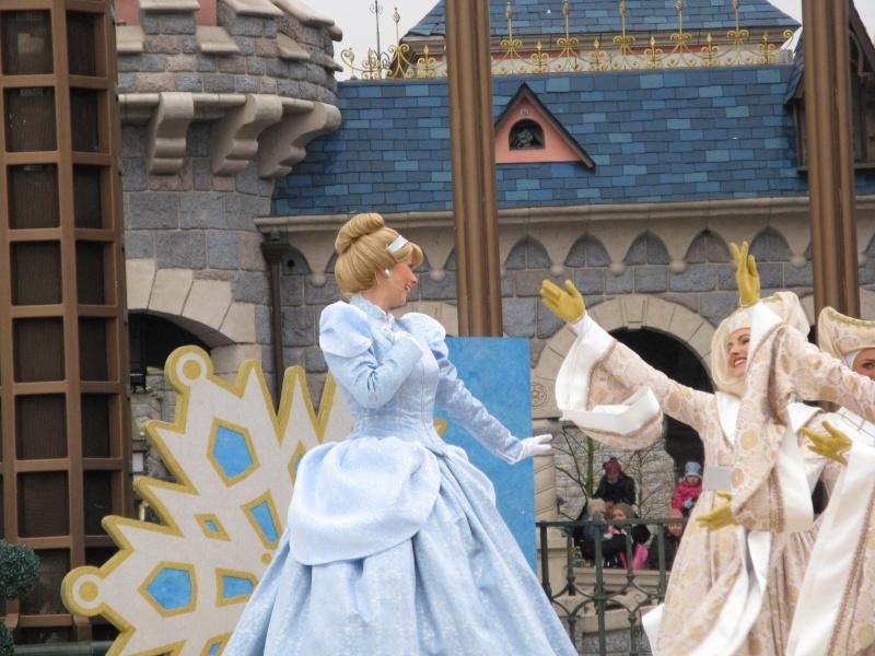 Un premier séjour magique pour le noël 2014 à Disney - Page 6 Le_spe12