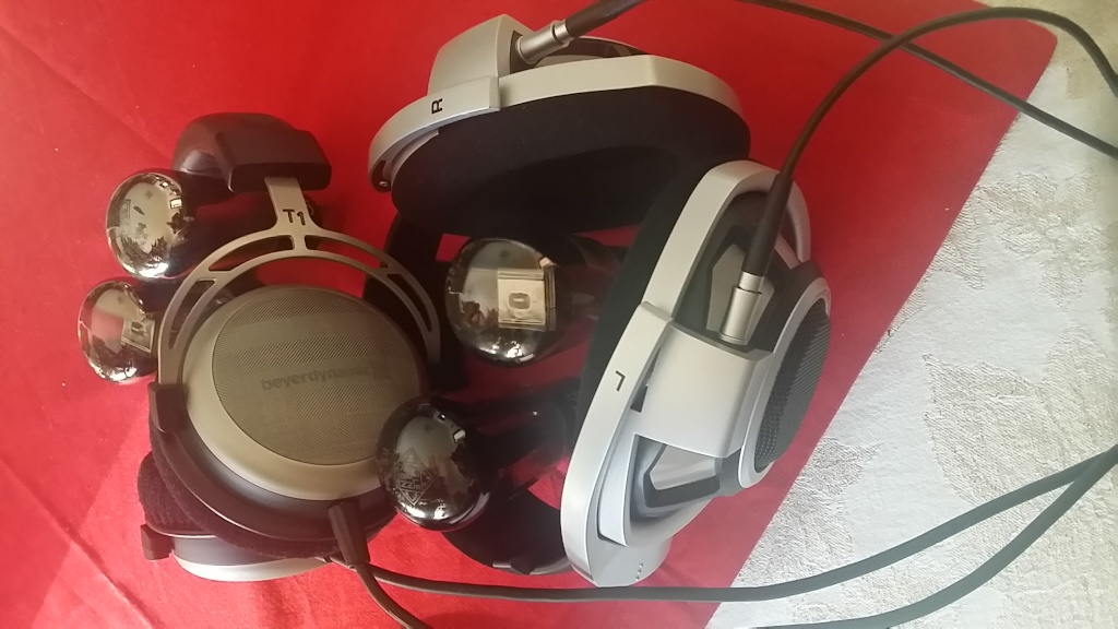 Sennheiser HD800 Vs Beyerdynamic T1 20150111