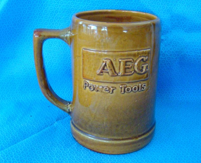 Castle Pottery Mug Dsc04912
