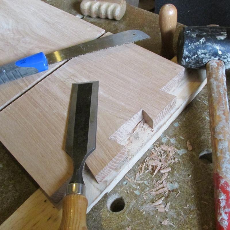 fabrication d'un bureau en chêne - Page 2 Img_1812