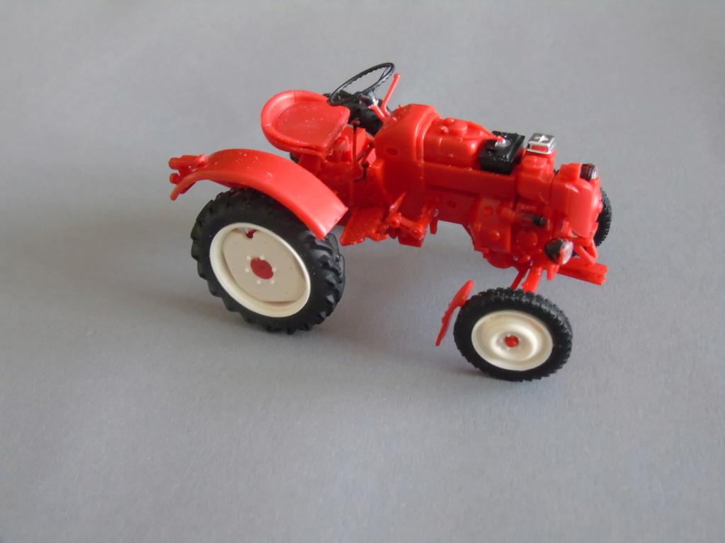 Traktor Porsche Diesel Revell 1:24 - gebaut von Klausgrimma Dsc02993