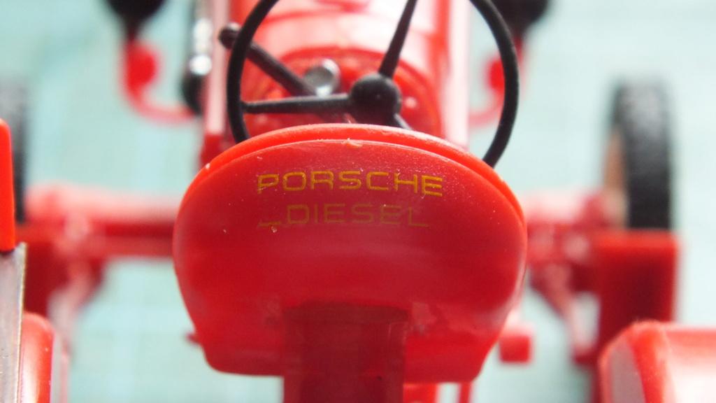 Traktor Porsche Diesel Revell 1:24 - gebaut von Klausgrimma Porsch64