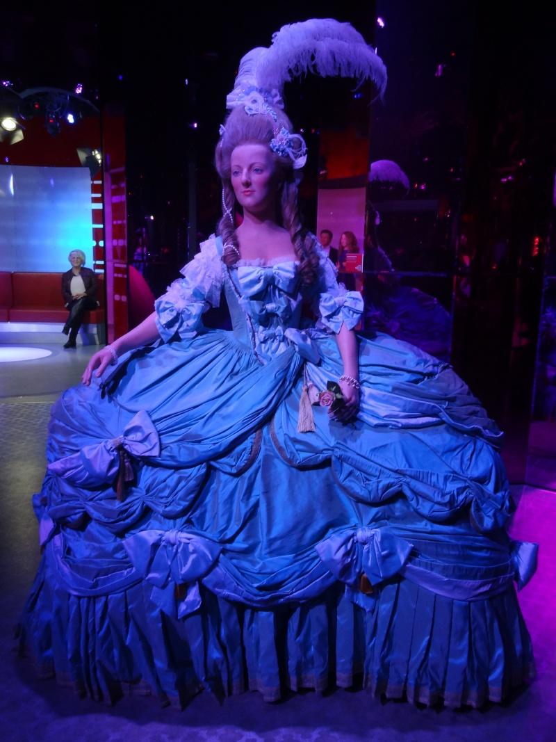 Bustes et représentations en cire de Marie-Antoinette Dsc01110