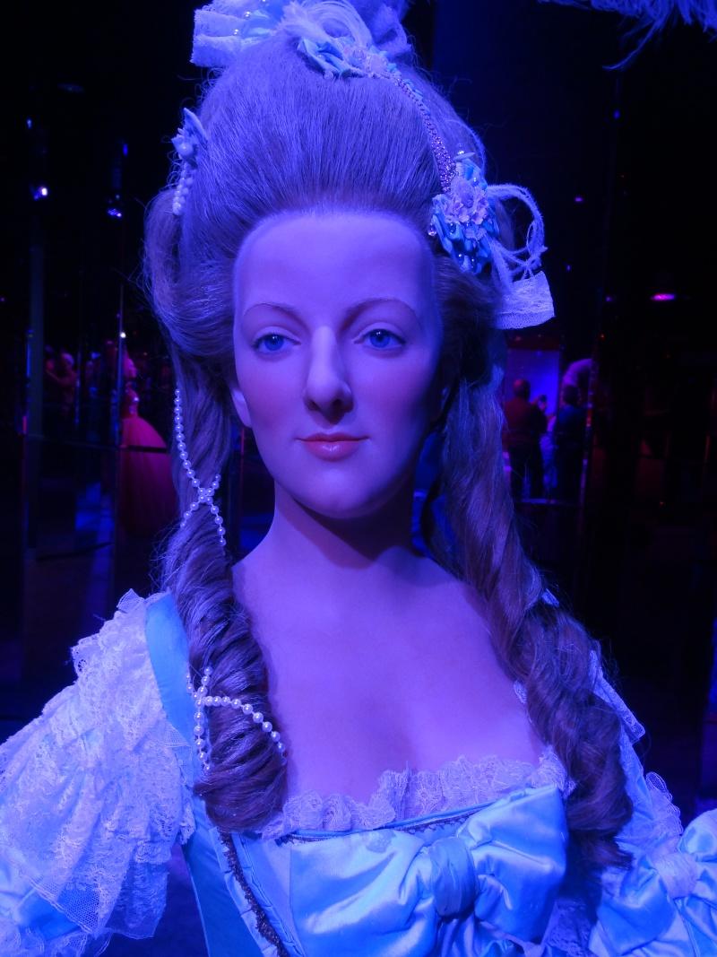 Bustes et représentations en cire de Marie-Antoinette Dsc01112