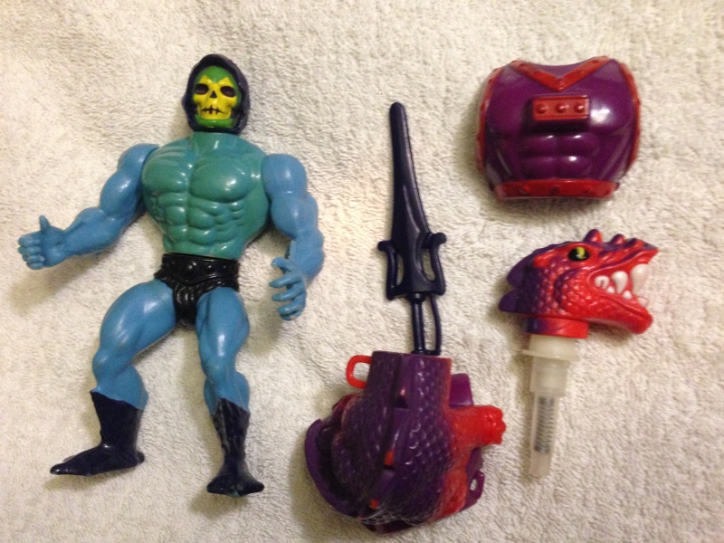 Vendo MASTERS OF THE UNIVERSE - Skeletor Dragon Blaster Loose Img_2911