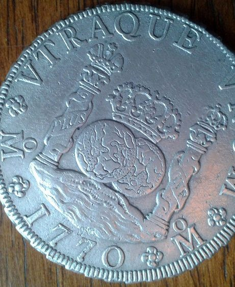 agains about 8 reales Dos Mundos 1770 , genuine or fake ? 410